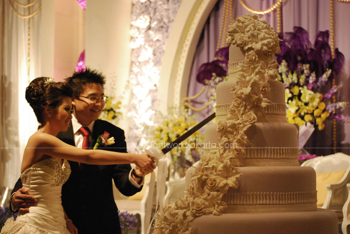 Bernard & Erlin's Wedding ; Decoration by Lotus Design ; Located in Four Seasons Hotel Ballroom ; Lighting supported by Lightworks