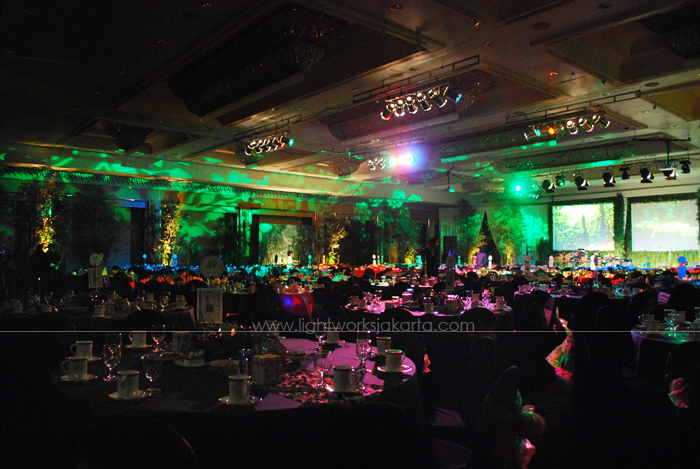 Hypermart Anniversary ; Decorated by Vica Decoration ; Located in Four Seasons Hotel Ballroom ; Lighting by Lightworks