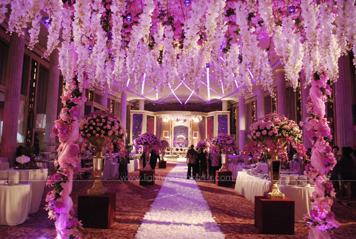 Ryerson & Nike's Wedding ; Decoration by De Sketsa ; Organized by Lin's Signature ; Located in Bali Room, Kempinski Hotel ; Lighting by Lightworks