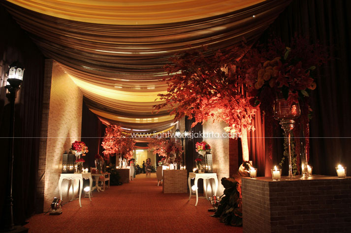 Tree lightworks page 17 teza marias wedding decoration by lotus design located in ritz carlton hotel junglespirit Images