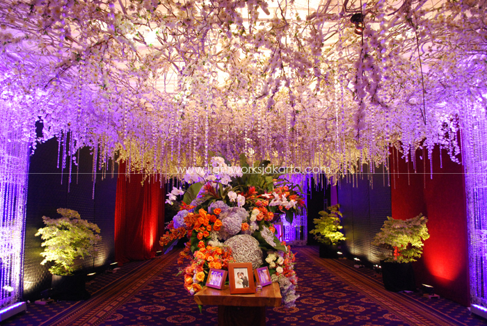 Decoration lightworks page 18 andreas salim senta padmas wedding decorated by suryanto decor located in hotel mulia junglespirit Images