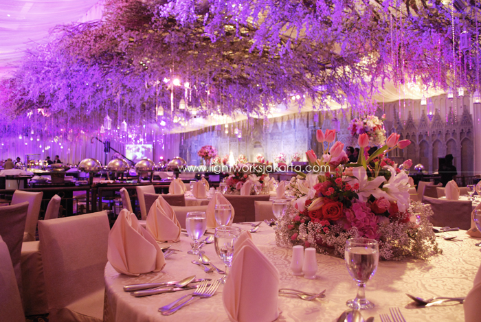 Flower lightworks page 22 christine bennys wedding decoration by suryanto located in hotel mulia lighting by junglespirit Image collections