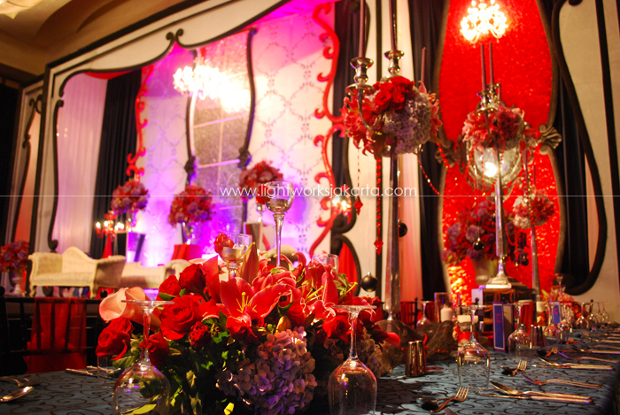 Decoration by De Sketsa ; Located in Ritz-Carlton Ballroom - Pacific Place ; Lighting by Lightworks