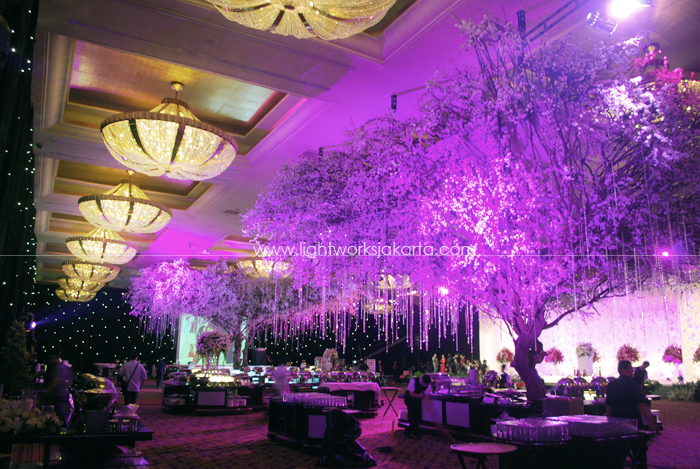 Foyer lightworks page 14 decoration by suryanto decor located in grand ballroom hotel mulia lighting by lightworks junglespirit Images
