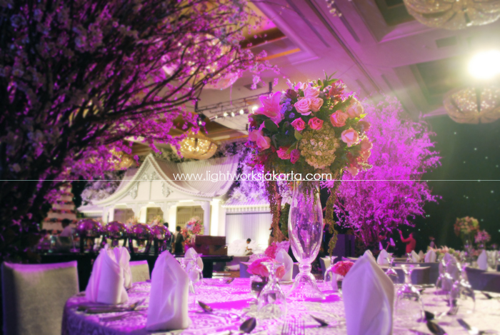 Jakarta lightworks page 8 barli nancys wedding decoration by suryanto decor located in grand ballroom hotel mulia junglespirit Images