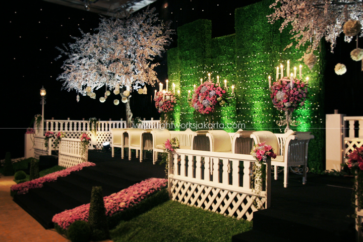 Lighting jakarta lightworks page 37 hendry sonatas wedding decoration by grasida decoration located in grand hyatt hotel junglespirit Images