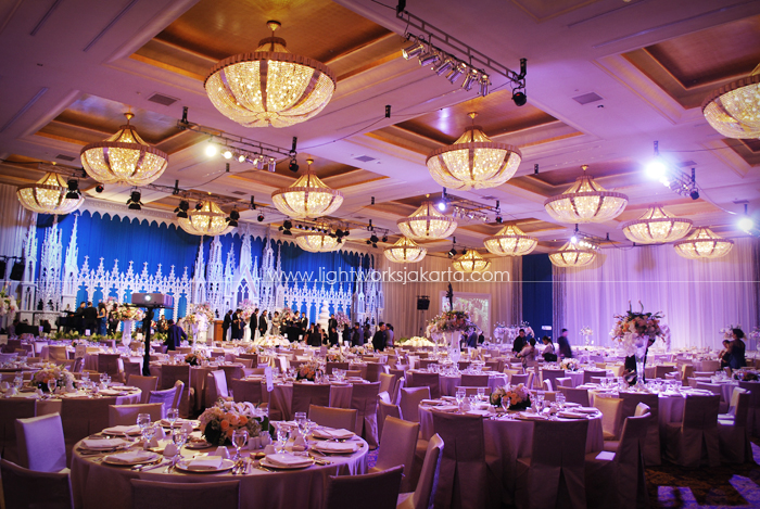 Jabez and Anna's Wedding ; Decoration by Suryanto Decoration ; Located in Grand Ballroom Hotel Mulia ; Lighting by Lightworks