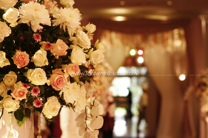 Andika and Juju's Wedding ; Decoration by Bluebells Flower ; Located in Sultan Hotel ; Lighting by Lightworks