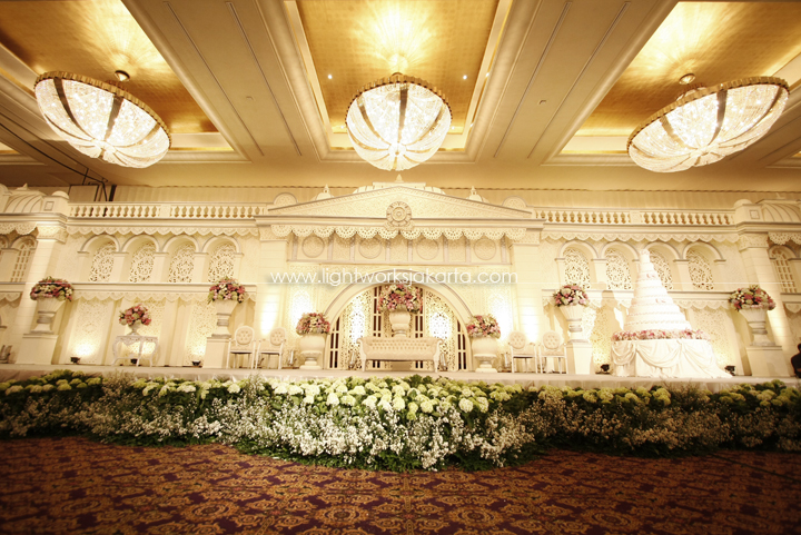 Nature lightworks page 5 richardo and carolines wedding decoration by ari decor located in grand ballroom hotel mulia junglespirit Images