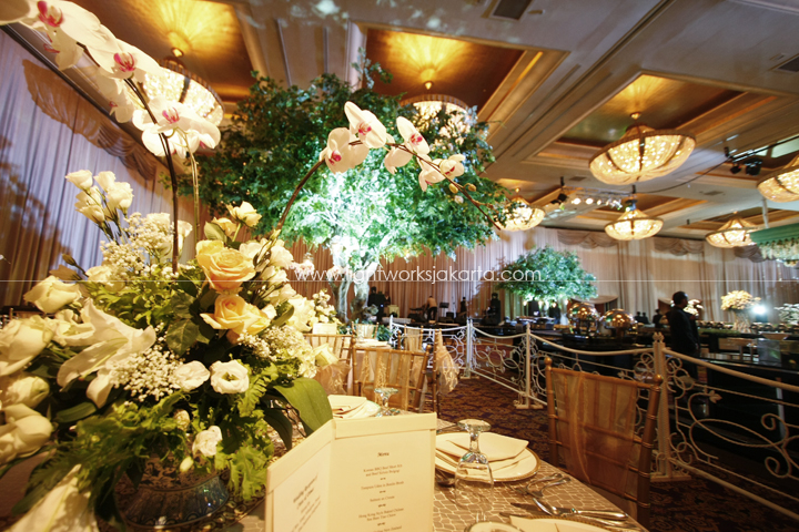 Dimas and Cinta's Wedding ; Decoration by Elssy Design ; Located in Grand Ballroom Hotel Mulia ; Lighting by Lightworks