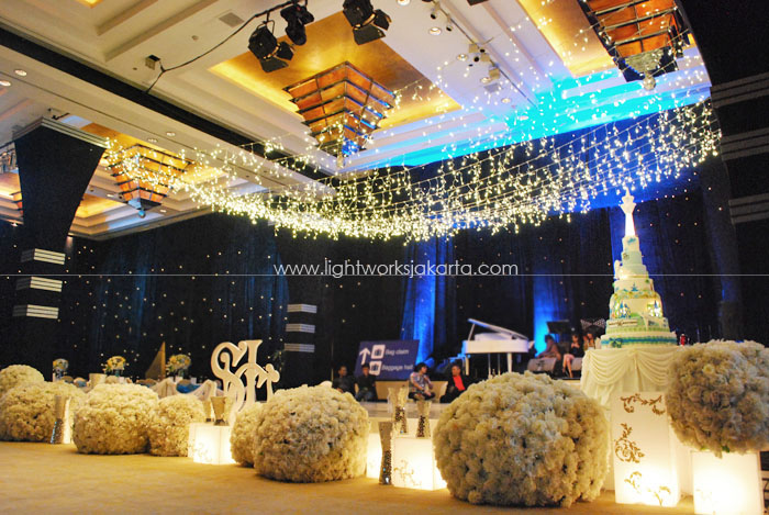 Sherly's 16th Birthday ; Decoration by 4Seasons Decoration ; Located in Hyatt ; Lighting by Lightworks