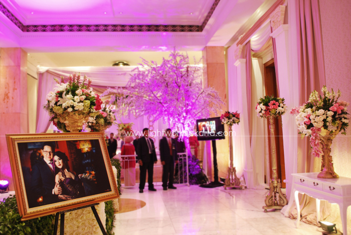 Ben & Resy's Wedding ; Decoration by Mawar Prada ; Located in Dharmawangsa Hotel ; Lighting by Lightworks