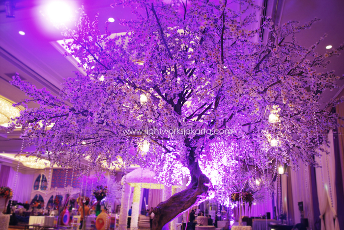 Decorated by Lavender Decoration; Located in Shangri-La Hotel; Lighting by Lightworks