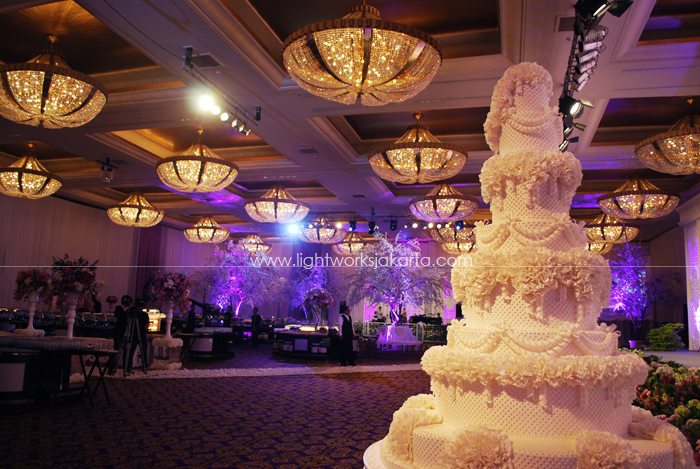 Erwin & Viksi's Wedding ; Lili Vicky Decoration ; Located in The Grand Ballroom Hotel Mulia; Lighting by Lightworks