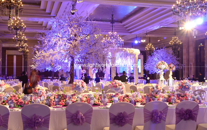 Kempinski hotel lightworks allen isabellas wedding decorated by grasida decoration located in grand ballroom kempinski junglespirit Image collections