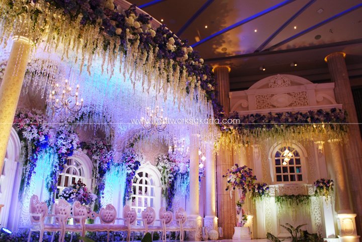 Ill be on your side lightworks rudi camelias wedding decorated by dawid daud decoration located in bali room kempinski hotel lighting by lightworks junglespirit Image collections