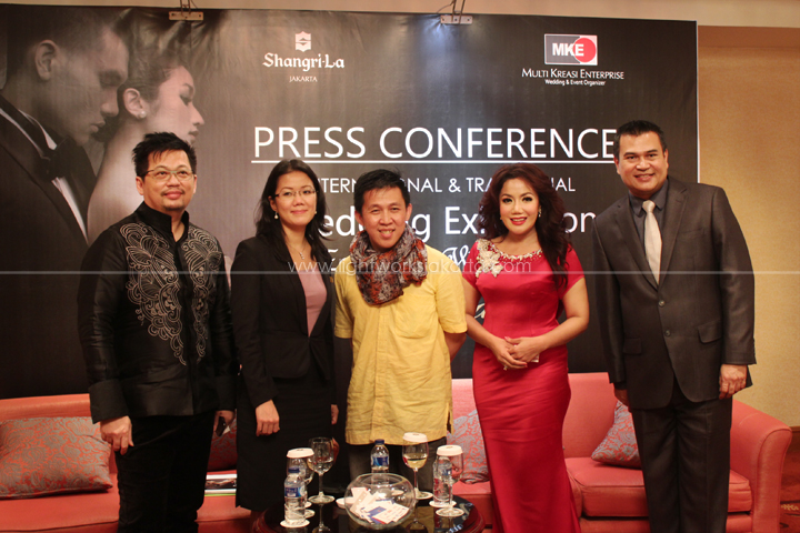 Wedding Exhibition Embrace: World's Coming Together; Press Conference