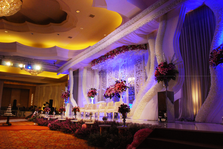 Ritz carlton hotel lightworks david ankas wedding decorated by de sketsa located in ritz carlton hotel kuningan junglespirit Choice Image
