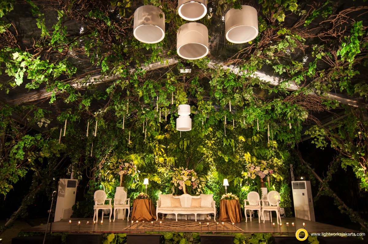 Outdoor wedding lightworks harry and ircas wedding reception venue at the sultan hotel decoration by daundaun decoration junglespirit Gallery