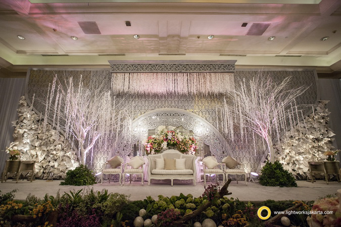 Raymond and Karina's Wedding Reception; Venue at JW Marriot; Decoration by HuE Decoration; Lighting by Lightworks