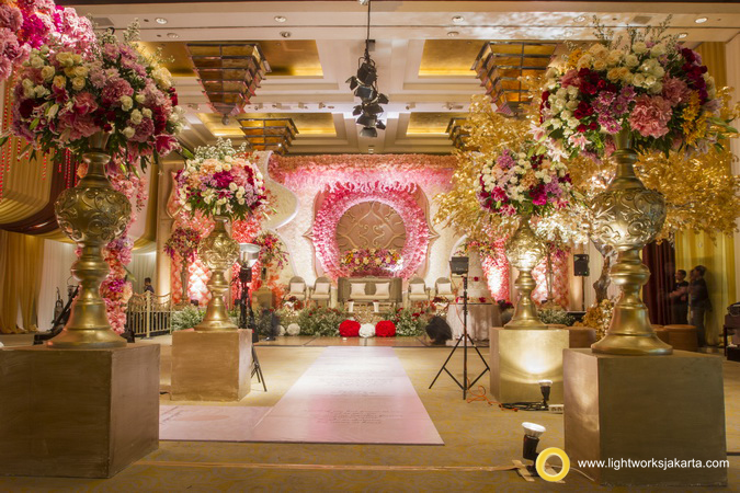 Grand hyatt lightworks arvin and gabbys wedding reception venue at grand hyatt hotel jakarta decorated by junglespirit Images