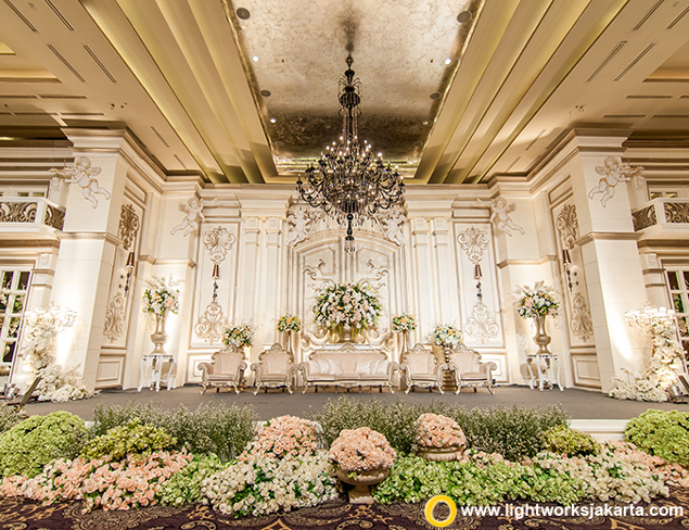 Dixcen and Winny's Wedding Reception | Venue at Grand Ballroom Kempinski Hotel Jakarta | Organized by Eugene WO | Cake by Timothy Cake | Entertainment by Andrew Lee Entertainment | Sound by Soundworks | Decoration by Lotus Design | Lighting by Lightworks