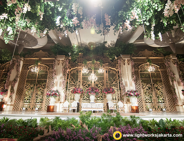 Qoorina and Rifki's Wedding Reception | Venue at The Ritz-Carlton Pacific Place Jakarta | Organized by By Faith Credo Planner | Cake by LeNovelle Cake | Entertainment by Andrew Lee Entertainment | Photography by David Salim Photography | Decoration by Lavender Decoration | Lighting by Lightworks