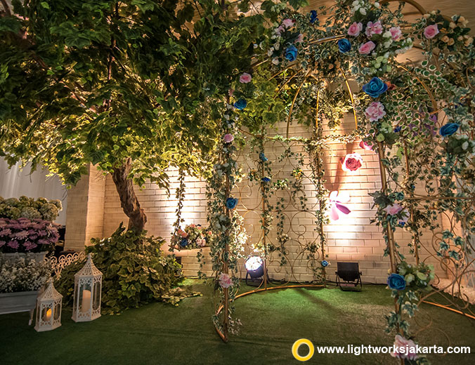 William and Indah's Wedding Reception | Venue at Thamrin Nine Ballroom | Organised by Accent WO | Gown by Imelda Hudiyono | Make Up by Winnie Neuman | Cake by Eiffel Cake | Decoration by Grasida Decoration | Lighting by Lightworks