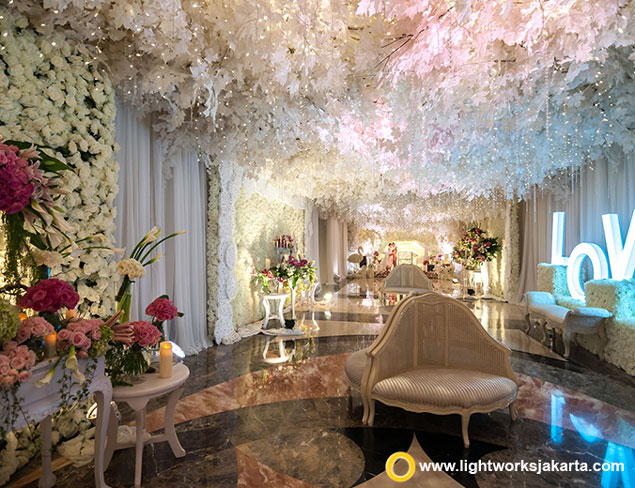Dion and Evelyn's Wedding Reception | Venue at Puri Begawan | Decoration by Grasida Decoration | Lighting by Lightworks