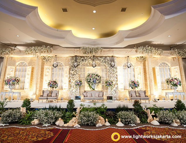Aditya and Amalia's Wedding Reception | Venue at The Ritz-Carlton Jakarta, Mega Kuningan | Photography by Michael Timothy Photoworks | Decoration by Elssy Design | Lighting by Lightworks