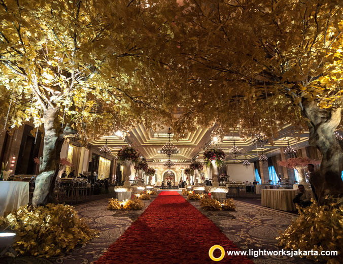 Tristan and Priska's wedding reception | Venue at Grand Ballroom Kempinski | Decoration by DeSketsa Decoration | Organised by MKE | Lighting by Lightworks Jakarta