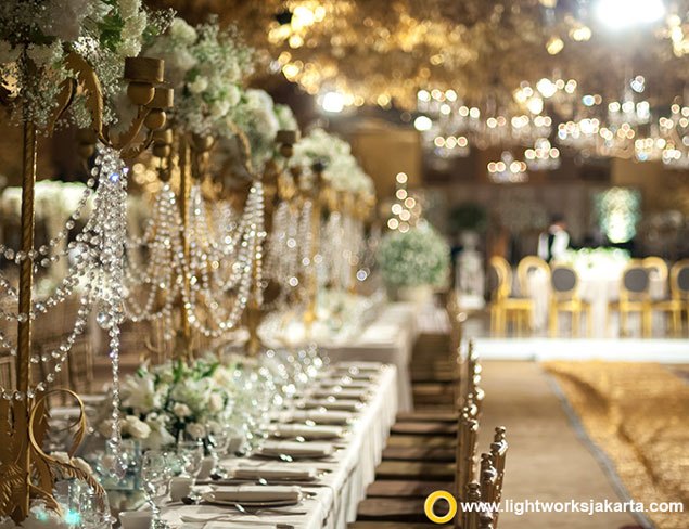Waldheim and Widyani's Wedding Reception | Venue at Hotel Mulia, Jakarta | Master of Ceremony by Longines Tamio and Becky Tumewu | Decoration by Steve Decor | Lighting by Lightworks