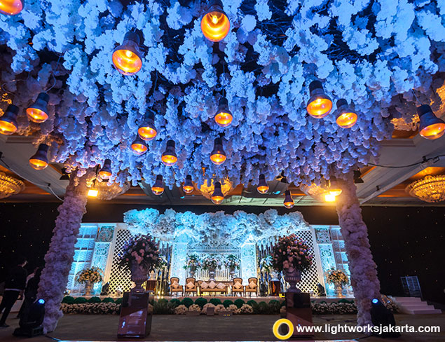 Emral and Patria's Wedding Reception | Venue at Hotel Mulia, Jakarta | Decoration by Lavender Decoration | Lighting by Lightworks