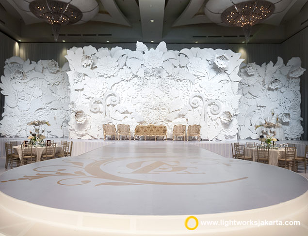 Anaz and Goldwin's wedding reception | Venue at The Ritz-Carlton Jakarta, Pacific Place | Wedding Dress by Yogie Pratama | Suit by Wonghang Tailor | Make Up by Andreas Zhu | Accessories by Rinaldy A. Yunardi | Photo by Moreno Photography | Video by Chronos Production | Entertainment by All Star Entertainment | Master of Ceremony by Dave Hendrik