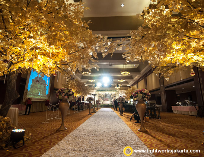 Putra and Felicia wedding reception | Venue at Hotel Borobudur Jakarta | Decoration by White Pearl Decoration | Lighting from Lightworks Jakarta