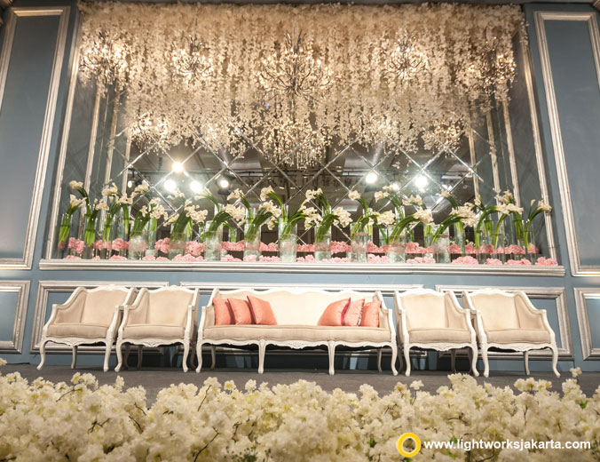 Juan and Gisela wedding reception | Venue at Hotel Fairmont Jakarta | Decoration by Lotus Design | Organised by One Heart Wedding Jakarta | Gown by Yefta Gunawan | Make up by Adi Adrian | Photo by Past, Present, Future Photo | Lighting by Lightworks