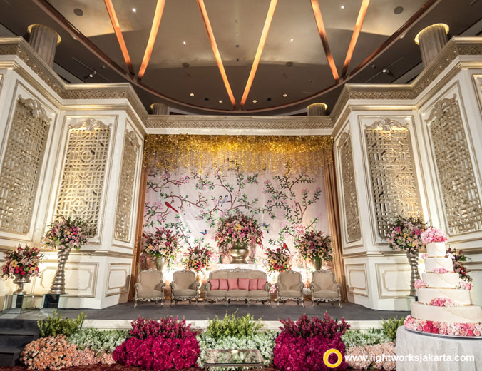 Emil and Grace wedding reception | Venue at Bali Room Kempinski Jakarta | Decoration by Lotus Design | Organised by Kenisha Wedding Organizer | Sound by Soundworks Jakarta | Photo and video by Clockwise Picture | MC are Michael Tjandra | Entertainment by Faire Entertainment | Lighting by Lightworks