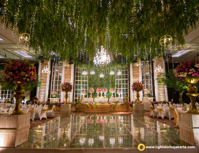 Desketsa decoration lightworks ivan and viena wedding reception venue at fairmont hotel jakarta decoration by desketsa decoration junglespirit Image collections