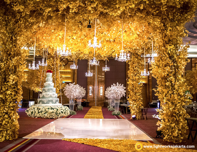 Garry and Stephanie wedding reception | Venue at Pullman Jakarta Central Park | Decoration by Steve Decor | Lighting by Lightworks