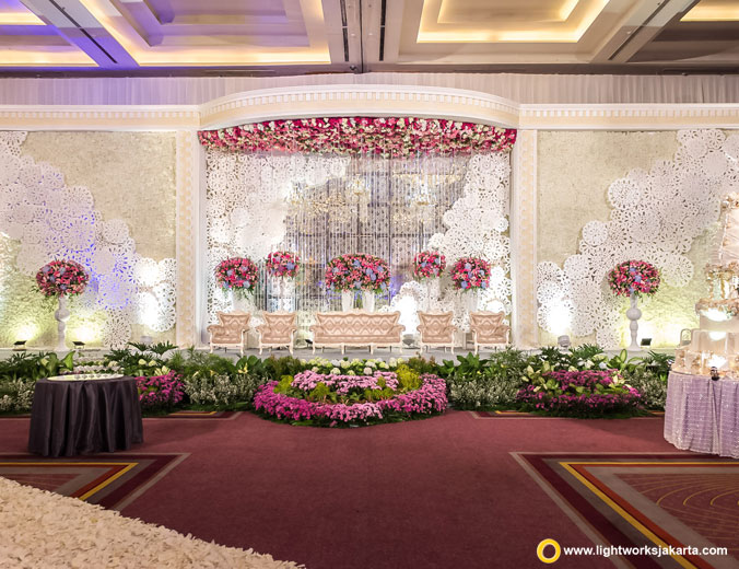 Hermandy and Michelle wedding reception | Venue at Pullman Jakarta, Central Park | Decoration by Grasida Decor