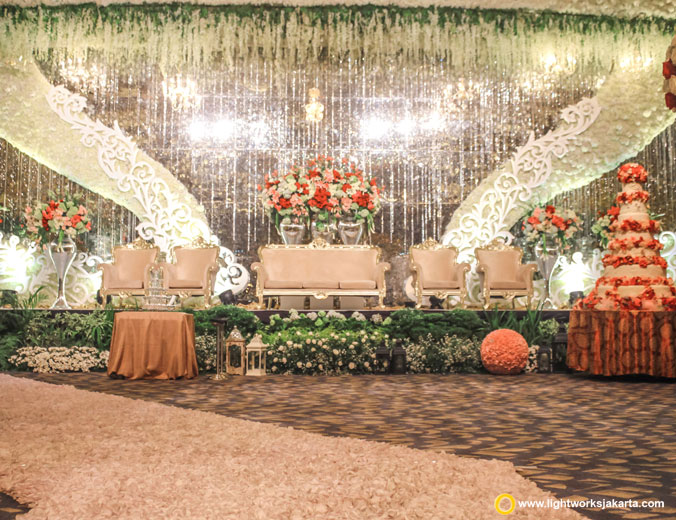 Andreas and Christy wedding reception | Decoration by White Pearl Decoration | Venue at Sheraton Gandaria | Organised by WYMM Organizer | Dress by Yohannes Bridal | Make up by Chandra Zhang | Video by JHV Studios | Photo by Indigosix Photoworks | Lighting by Lightworks