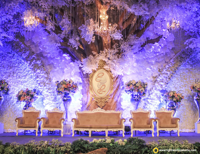 Eric and Lenny wedding reception | Venue at Sheraton Gandaria | Decoration by White Pearl Decoration | Lighting by Lightworks