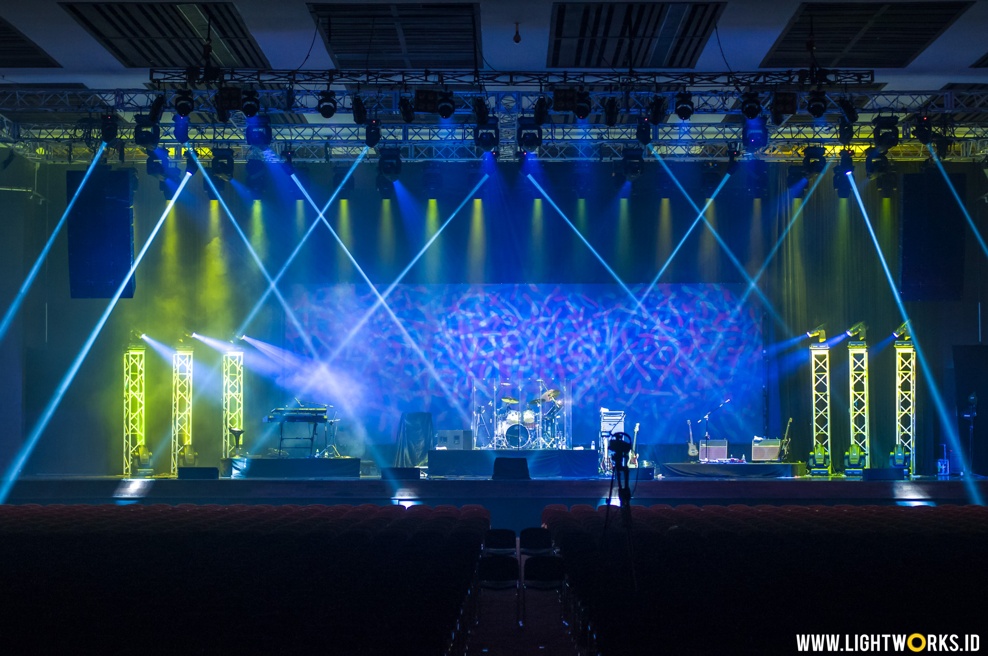 Air Supply Concert | Venue at Kota Kasablanka | Organised by Full Color Party | Sound system by Soundworks Jakarta | Lighting equipment by Lightwoks