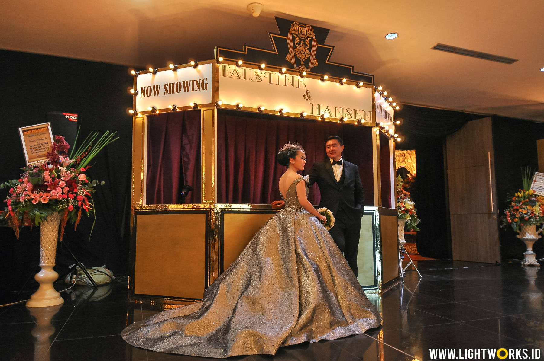 Hansen and Faustine' wedding reception | Venue at Grand Inna Padang | Decoration by Lavender Decoration | Organised by Multi Kreasi Enterprise | Entertainment by All Star Music Entertainment | MC: Ary Kirana, Kemal Mochtar | Gown by Yefta Gunawan | Photo by Gusde Photography | Dancer by Batavia Dancer | Photobooth by Planopaper Photobooth Padang | Souvenir by Mattice | Lighting designer: Mr. Alvin Soo | Lighting equipment by Lightworks