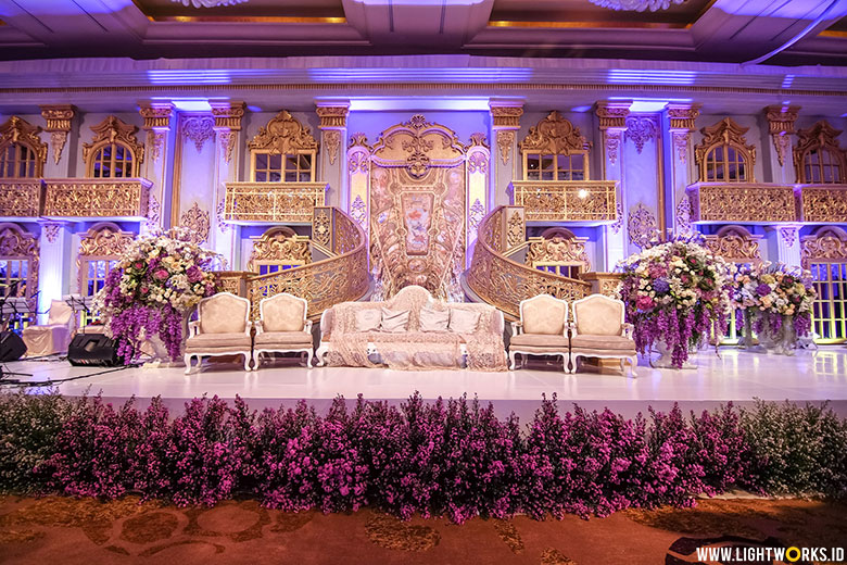 Wedding of Ifan and Nasya | Venue at Hotel Mulia | Decoration by Lavender Decoration | Organised by IDnCo WO | Photography by David Salim Photography | Crown by Rinaldy Yunardi | Gown by Sebastian Sposa | Invitation by Peonny Wedding Invitation | Souvenir by Joel Art Souvenir | Lighting by Lightworks