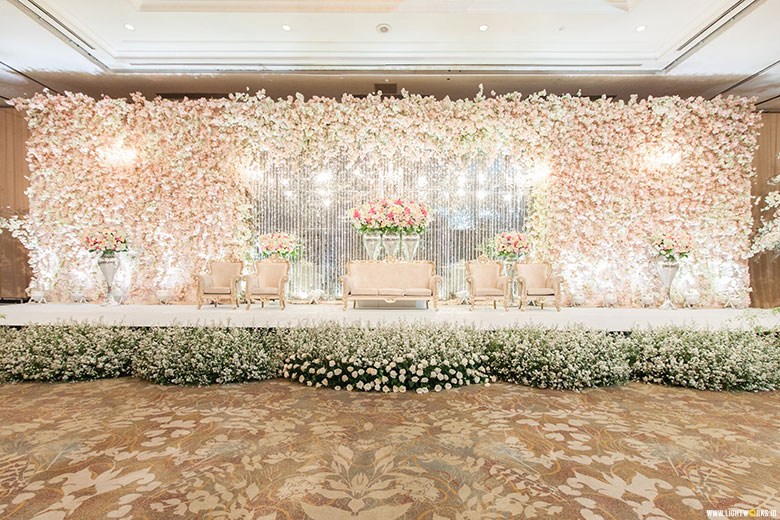 Lightworks alex and vinas wedding venue at shangri la jakarta decoration by white pearl junglespirit